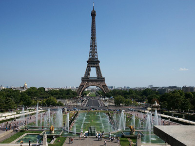 [みゅう]【プライベートツアー】エッフェル塔の頂上展望台入場付! 日本語アシスタントとメトロ・市バスで行く パリ市内半日観光
