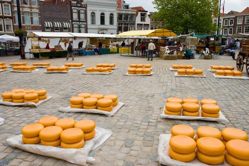 アルクマールのチーズマーケット...