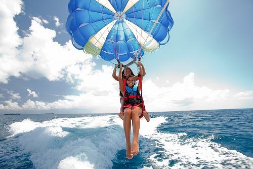 ビーシーサンスポーツ マニャガハ島パッケージツアー(マニャガハ島送迎+パラセーリング)