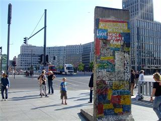 [みゅう]ベルリンの壁 午前ウォーキングツアー