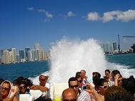 サウスビーチ!デコ・ウォークツアー&迫力満点スリラーボート・ツアー