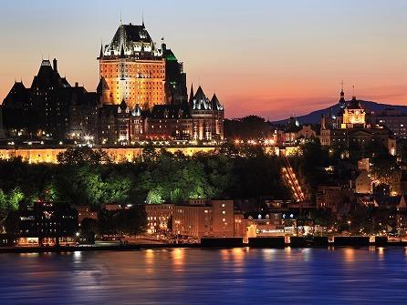 【9/16〜10/20限定】ケベック終日観光 (モントリオール発着) *紅葉期間限定・奇数日のみ*