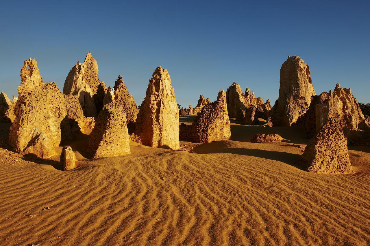 ピナクルズの砂漠とニューノルシア