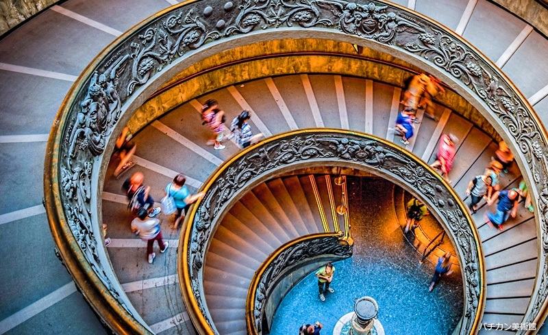 バチカン美術館と世界遺産を歩いて発見! ローマ市内1日観光(公認ガイド、ランチ、コロッセオチケット付)