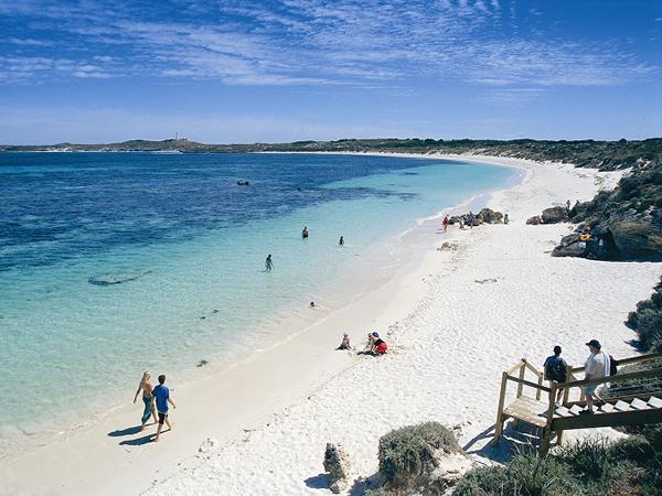 信じられないほど白い砂浜