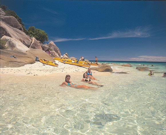 白砂の綺麗なビーチ