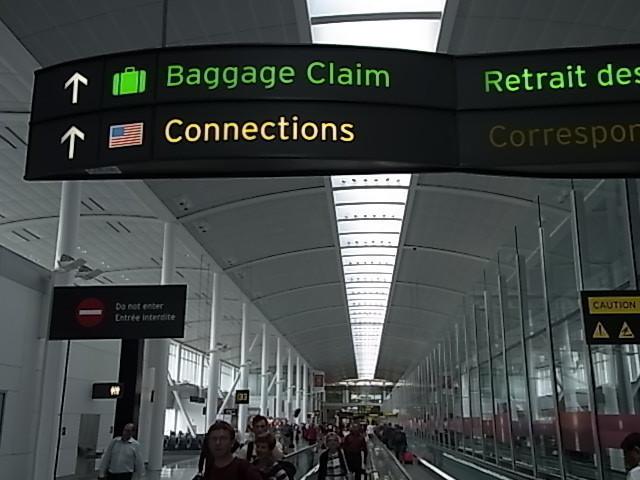 トロント空港到着