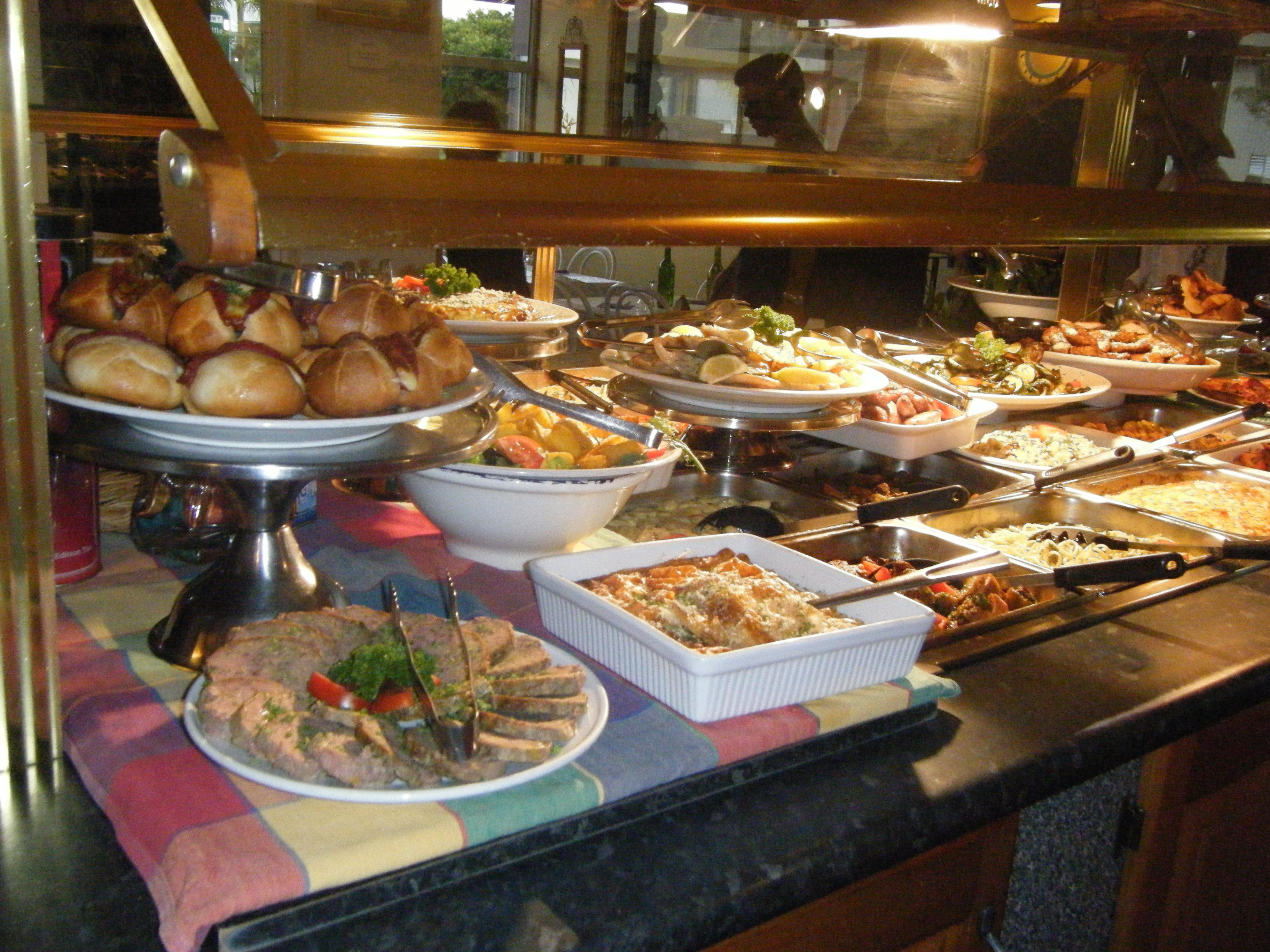 豪華イタリアン・バイキングの夕食