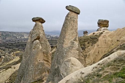ユルギャップ近郊のキノコ岩