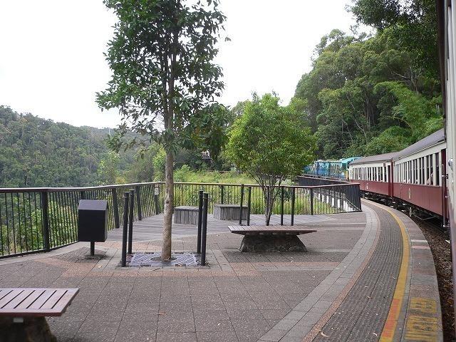 キュランダ列車のバロン滝駅