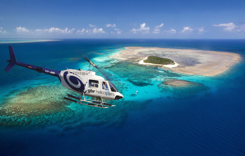グリーン島を囲む碧い海と珊瑚礁