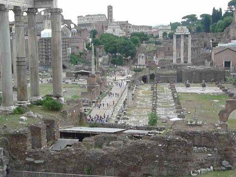 ローマ帝国の中心地フォロ・ロマーノ