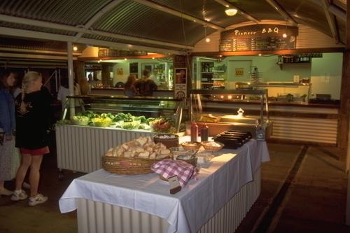 館内BBQレストランはお得な値段で人気!