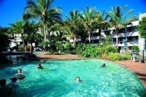リゾート内のプール
