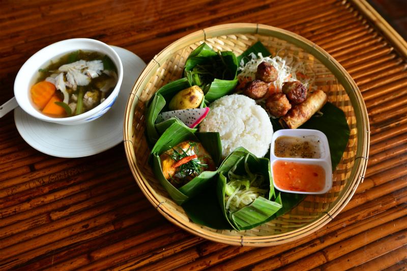 昼食(カンボジア料理)