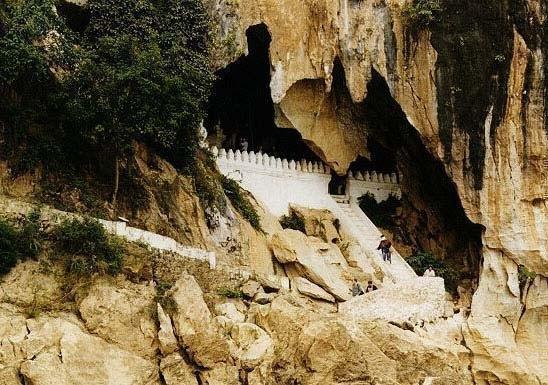 パクウー洞窟入り口