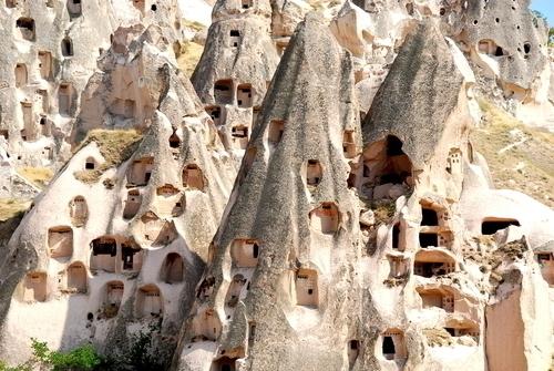 ウチヒサール城壁