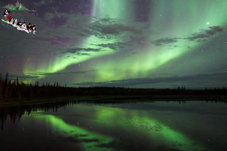 湖面に映るオーロラ(イメージ)