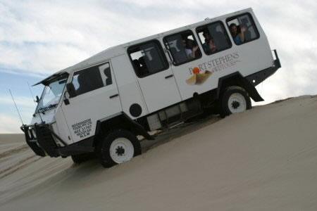 4WD車に乗車