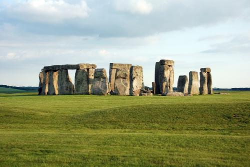 ストーンヘンジ 謎に包まれた巨石ストーンヘンジ