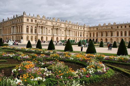 フランス絶対王政の象徴ベルサイユ宮殿