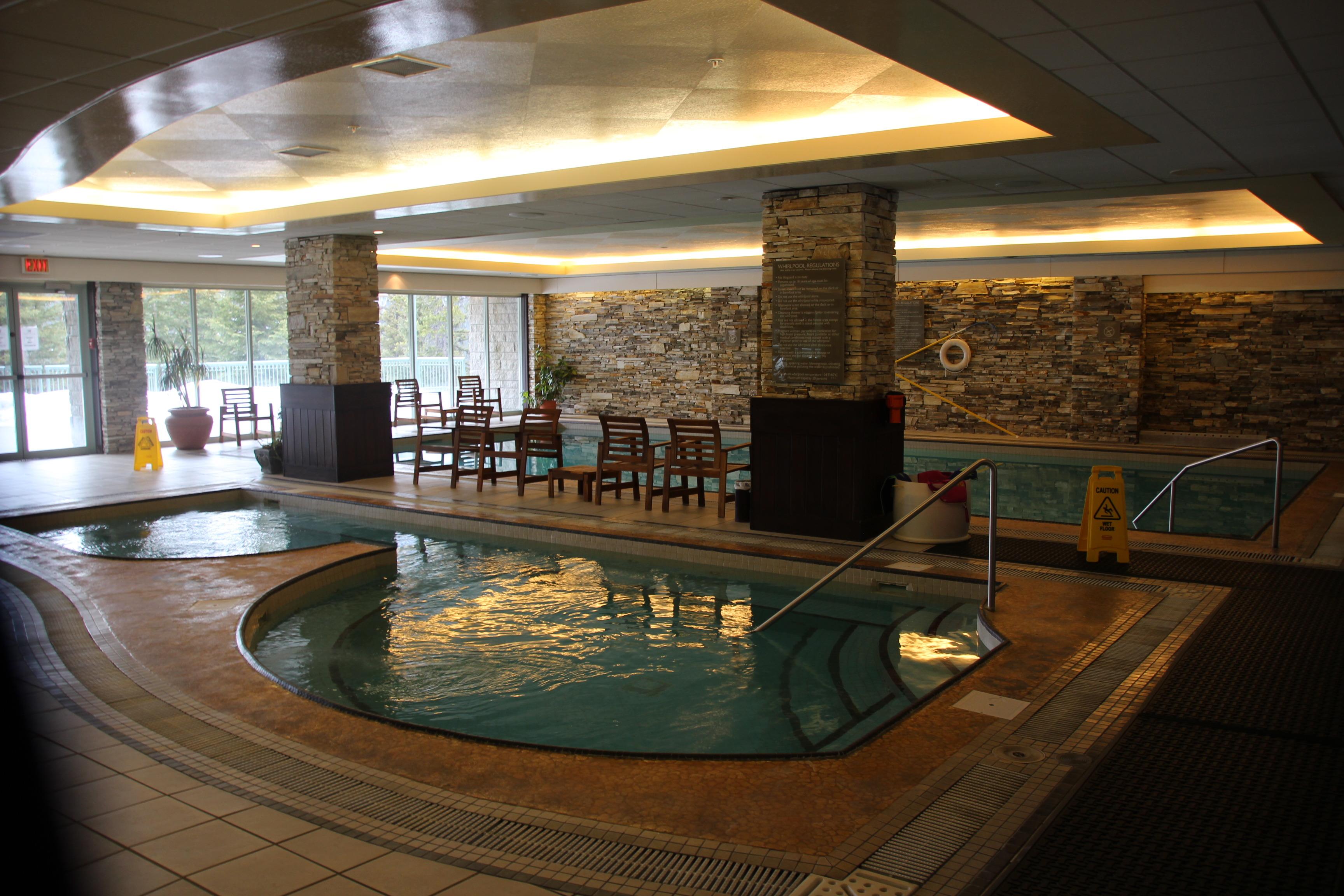 ホテル内のプールもあります