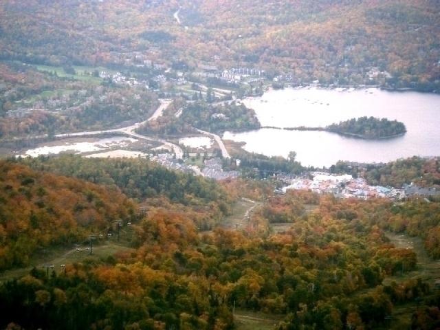 紅葉がきれいなモントレンブラン山頂から