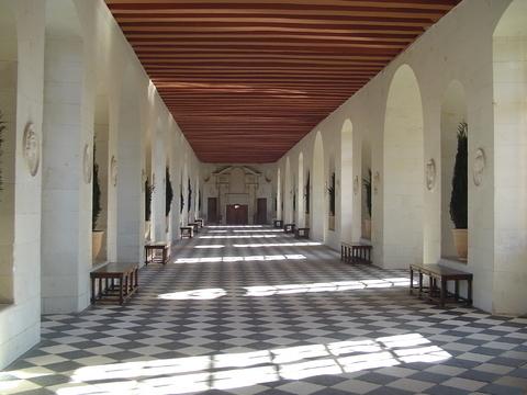 シュノンソー城の長い廊下
