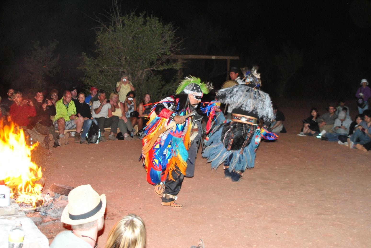 ナバホ族による歌、音楽、踊り