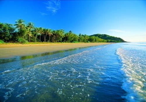 白砂が眩しい4マイルビーチ