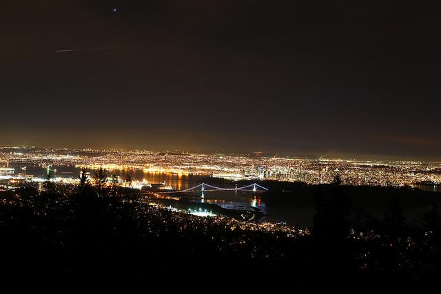サイプレスマウンテンからの夜景イメージ