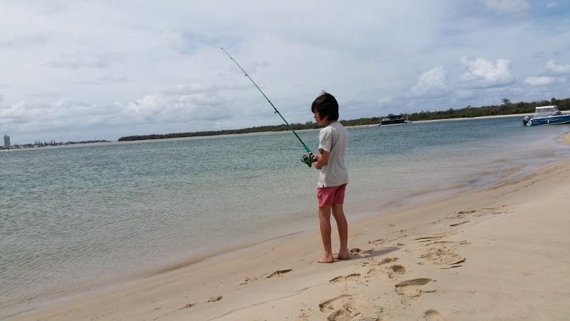 魚釣り。結構なサイズのキスが釣れました。