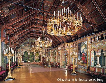 内部も豪華なノイシュヴァンシュタイン城