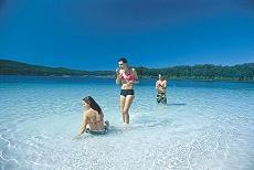 ビラビーン湖は綺麗なクリスタルクリアーです。