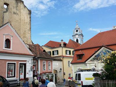 ロマンチックな町デュルンシュタイン