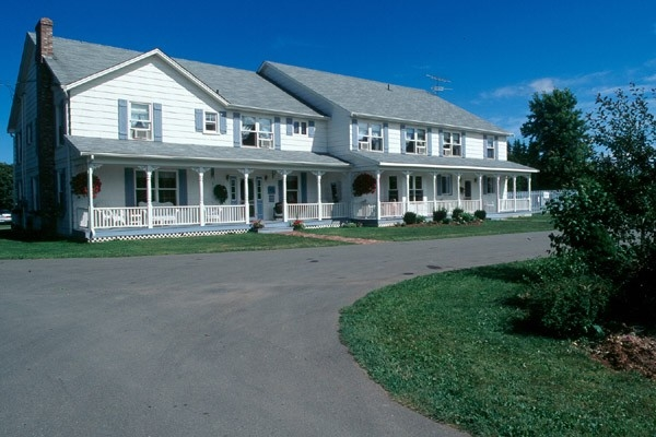 KINDRED SPIRITS COUNTRY INN