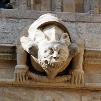 ウインザーキャッシュルチャーチ外壁のキメラ彫刻