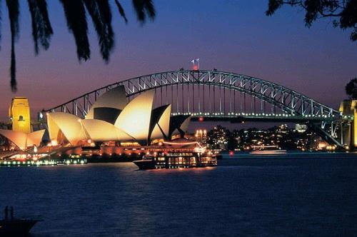 世界五大夜景に数えられるシドニーの夜景