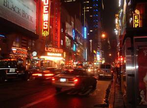 夜のブロードウェイ