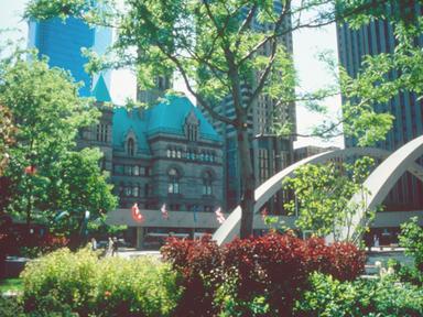 旧市庁舎(トロント観光局写真提供)