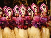 女性ダンサーのパフォーマンス
