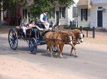 馬車が走る街角