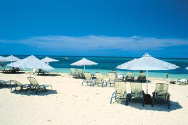 グリーン島の広々としたビーチ