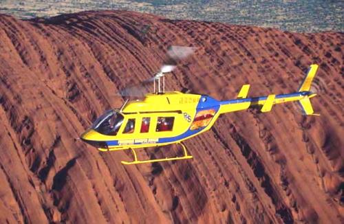 迫力のヘリコプターフライト