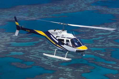 片道はヘリコプターで