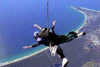 オーストラリア最東端のバイロン・ベイを大空から体験!