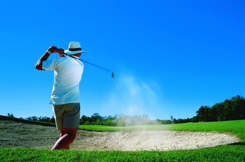 温暖なケアンズでのゴルフをお楽しみください