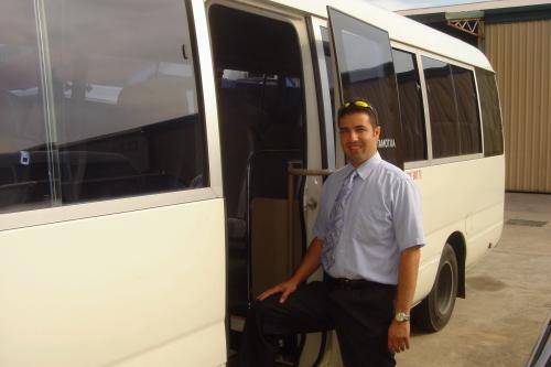 20席サイズの小型バスもございます。