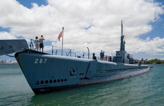 ボーフィン潜水艦