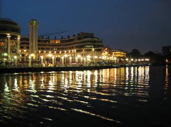 夜のポトマック川